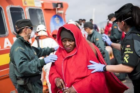 woman leaves Hamal rescue boat