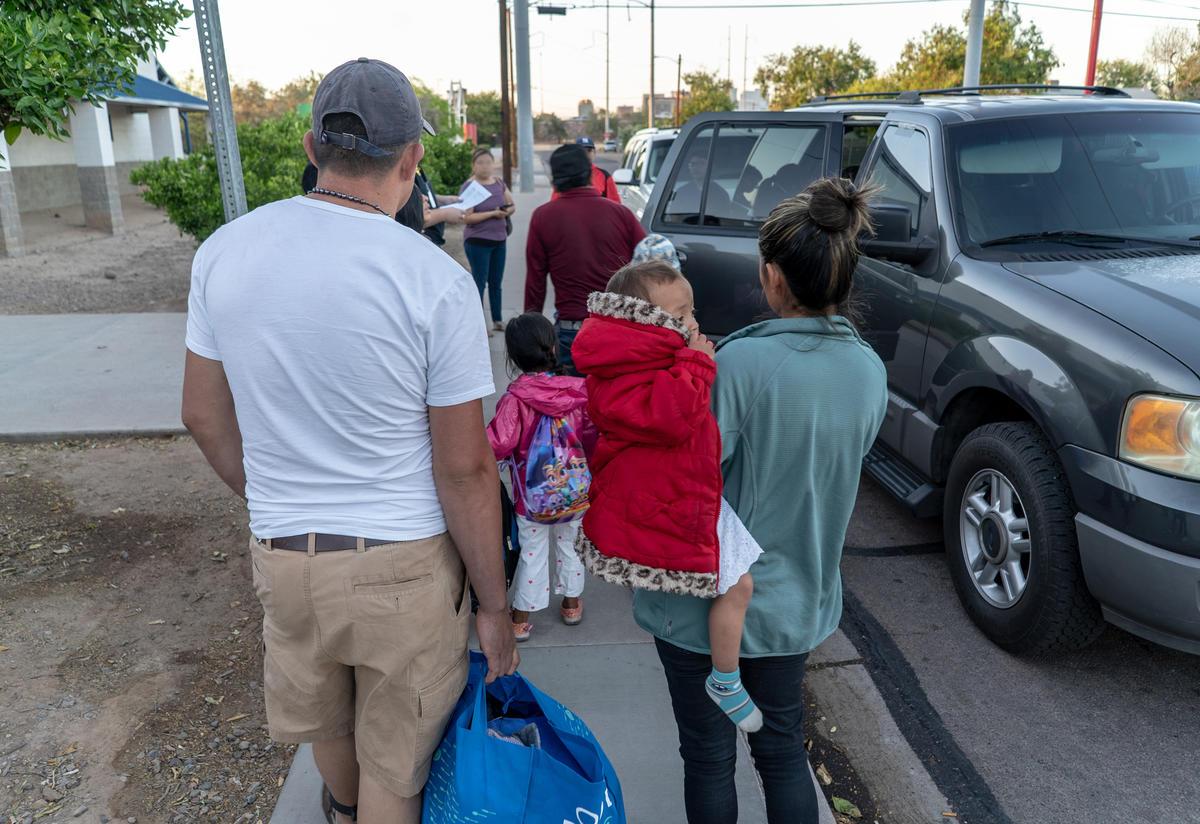 Central American families seeking asylum in the U.S.