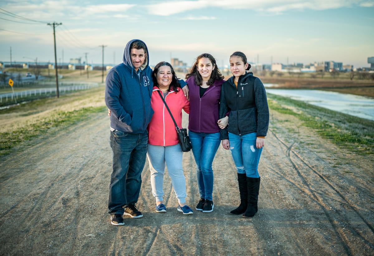 Salvadoran refugee family in Dallas