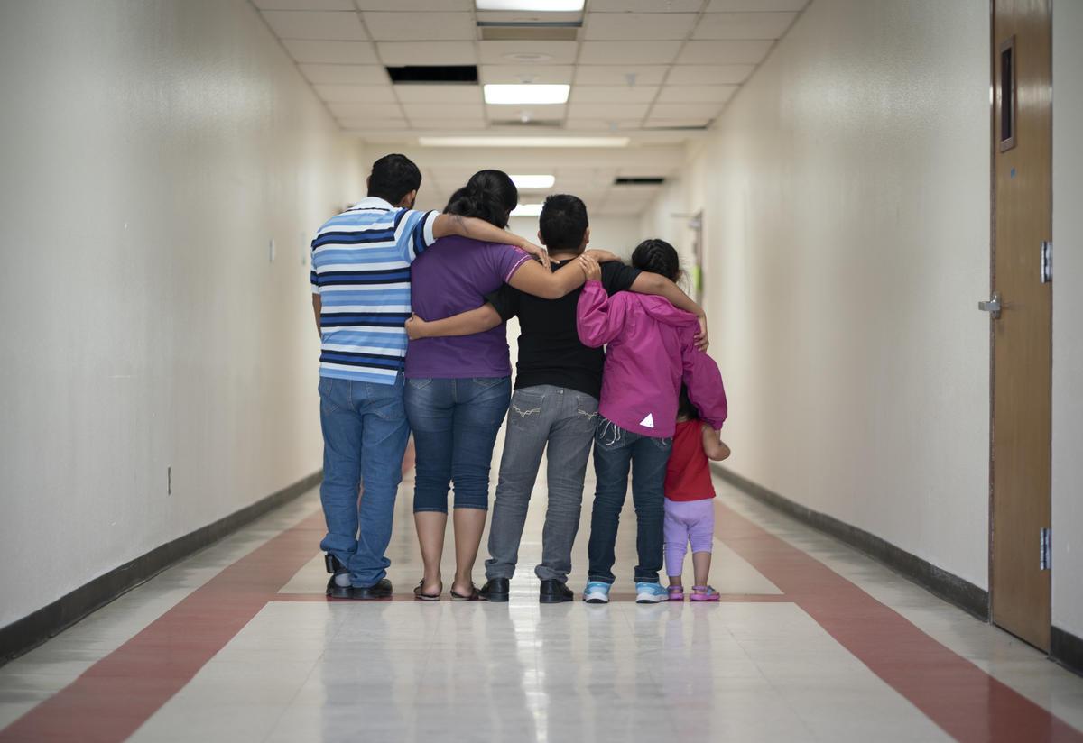 Asylum seeking family from Mexico in Phoenix. Arizona