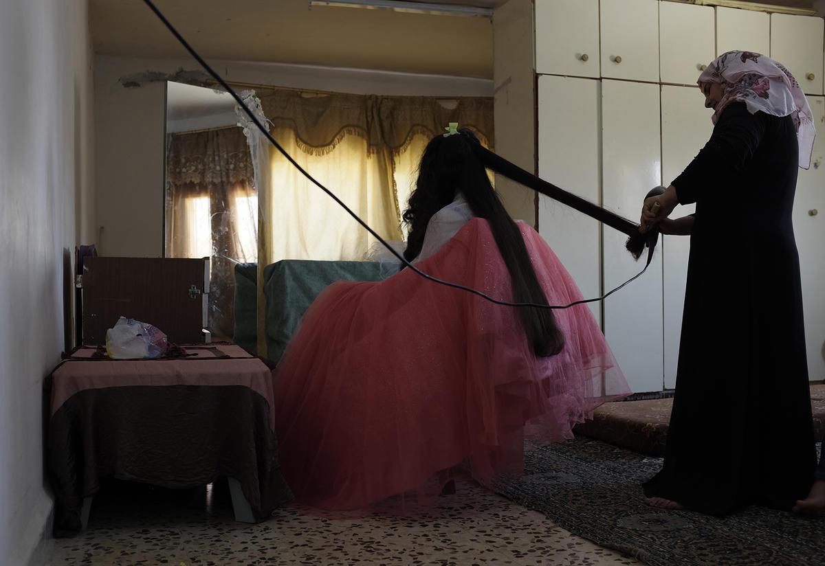 Syrian woman salon business
