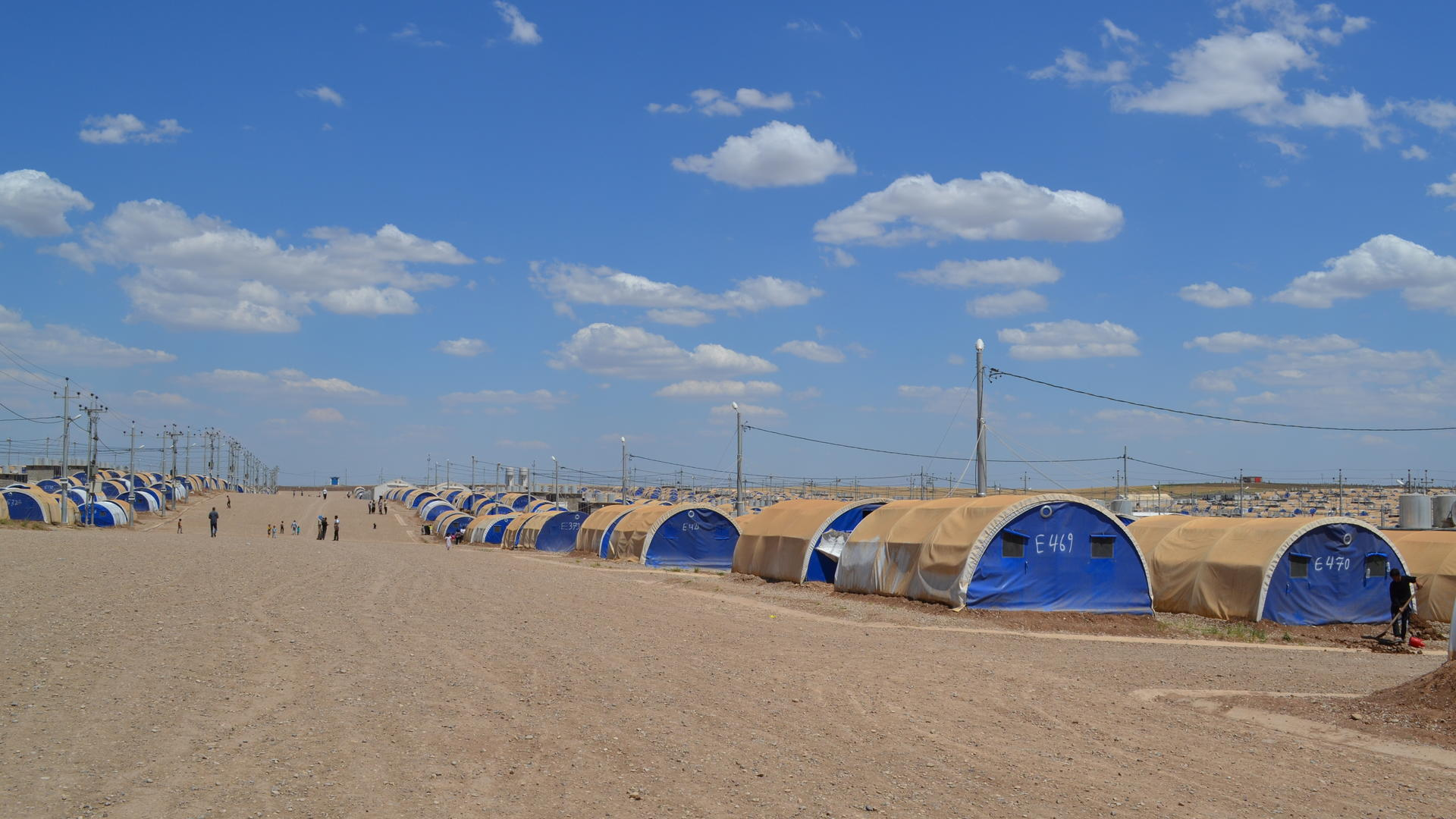 Rows of tents in Nargazilia camp for Iraqis who fled the battle for Mosul