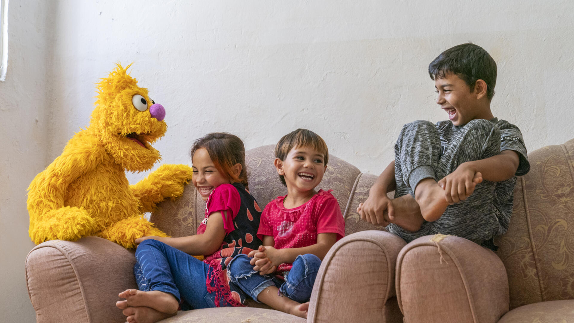 'Ahlan Simsim' features new characters with stories and experiences refugee children can relate to, like Jad, a young Muppet who had to leave his home. Jad loves to express himself through art.